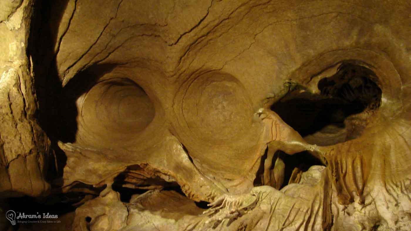 Bluff Dweller's Cavern