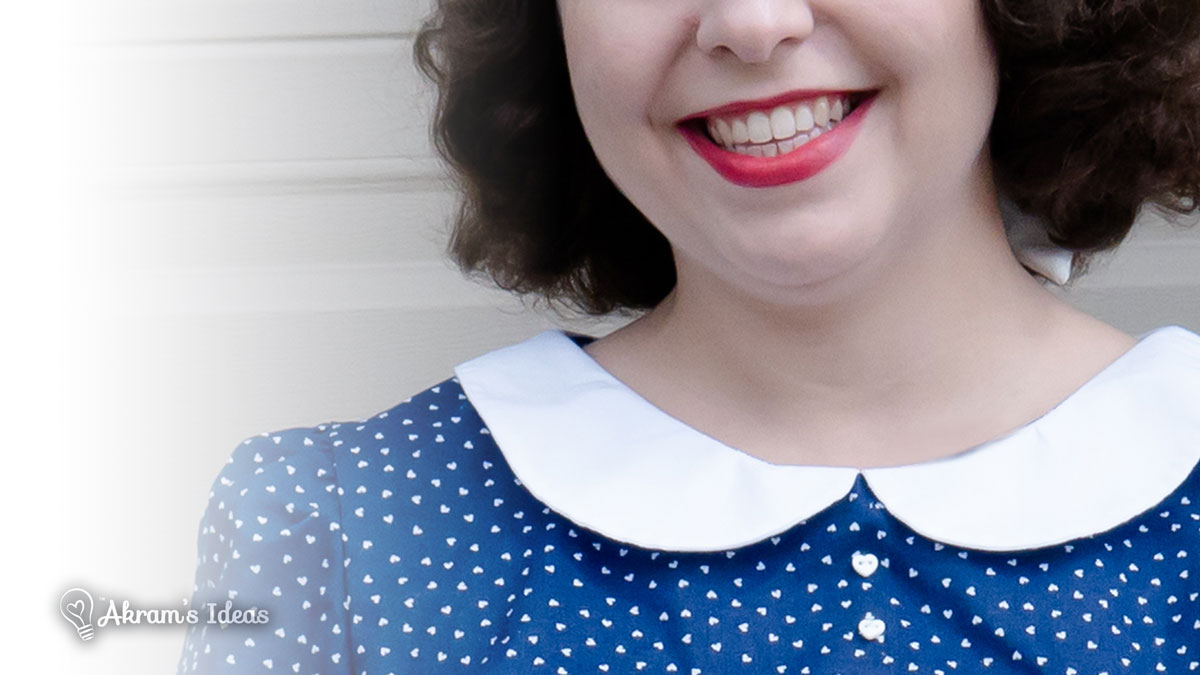 A step-by-step tutorial for drafting a Peter Pan collar for any neckline.